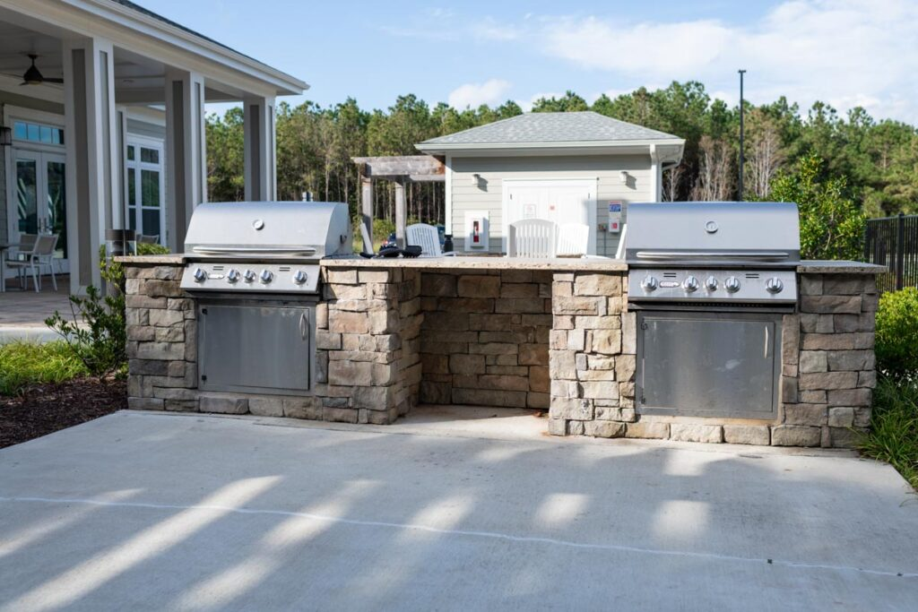 Preserve apartments in Morehead City outdoor grill area